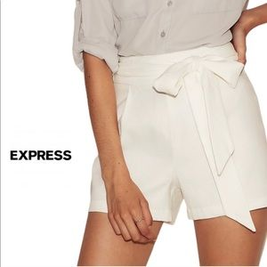 EXPRESS Midi High Rise White Shorts 6